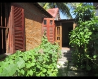 Ancient wooden villa in Ngoc Thao island, need for rent